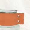 Gerro de vidre amb tira de pell marró, elegant ideal per regalar o decarar la propia llar. aguanta rems grossos perquè pesa per si sol